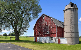 Wisconsin Home and Barn for Sale, Immaculate!