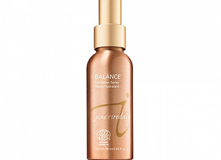 Why Use a Hydration Spray with Makeup?