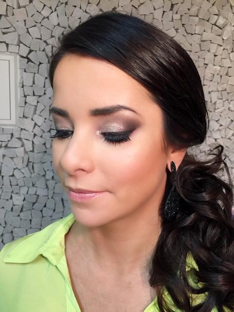 Adriana Scagliusi maquiadora profissiona