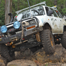 (RIIVEH305E)  Operate and Maintain a  4WD Vehicle and (TLIC2025) Operate a 4WD Vehicle