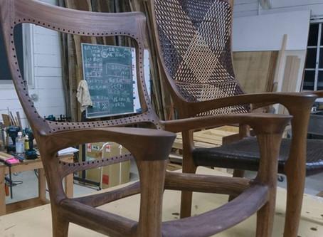 小さなクイーンの椅子