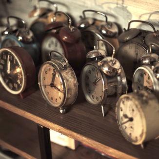 על ציר הזמן