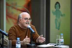 Compromisso e Renovação no Desenvolvimento dos Festivais de Artes Cênicas