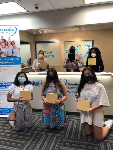 Our NY volunteers, Srishti Tyagi, Michelle Raja, and Cassidy Psihos, donated 12 devices to the Family Health Center at Long Island FQHC, Inc. They provide affordable healthcare services to low-income patients in the Long Island area. These devices will help their patients connect with their physicians from home. Great work!
