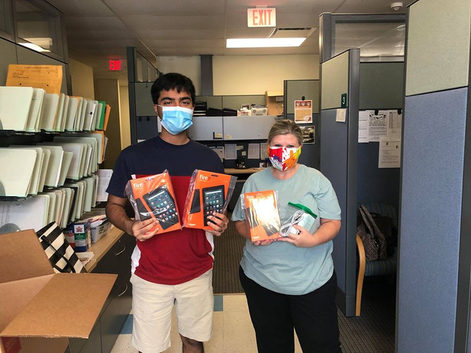 Our Florida volunteers including Rafey Khan, Zoha Khan, and Jordan Botknecht dropped off 25 devices to the Boca Raton VA Medical Clinic! This drop-off included 20 brand new Amazon Fire tablets purchased using funds from our amazing donors! Glad to see our FL team making such a great impact!