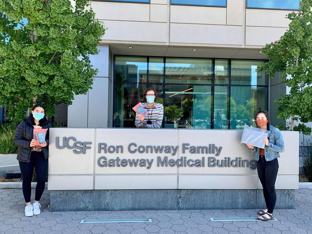 Our CA volunteers, Tiffany Wong and Michaela Vo, dropped off 10 devices to the UCSF Cancer Center! They donated 5 laptops and 5 tablets, fulfilling the clinic's entire demand!