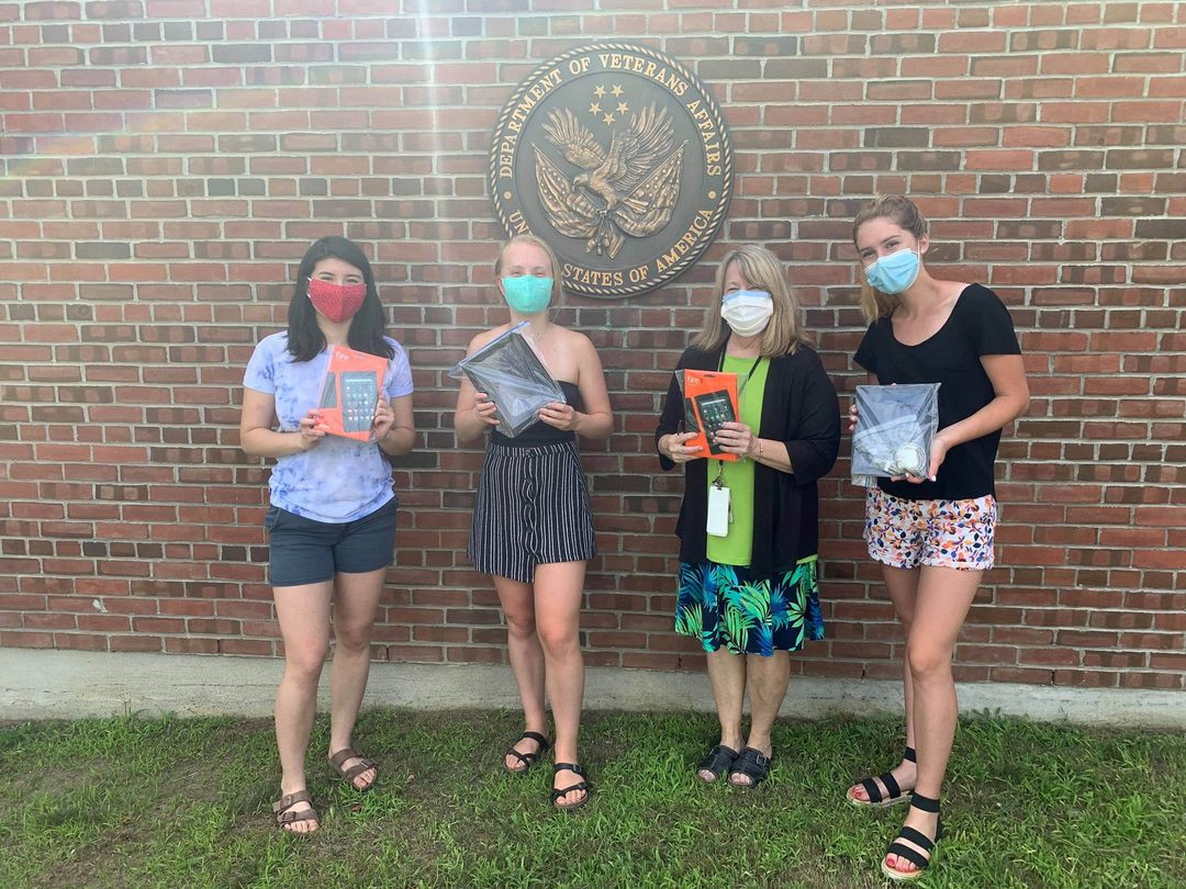 Our Vermont lead, Lia Rubel, and volunteers, Zoe Macdonald and Eliza Mabey, recently dropped off 40 devices to the White River Junction VA Medical Center (WRJ VAMC)! They have previously donated 24 devices to the VA, making their total over 60 devices donated so far! Lia has been awarded $8,000 worth of grant funding to purchase tablets in Vermont. We can expect to see a lot more device drop-offs from our Vermont team in the near future. Amazing work!