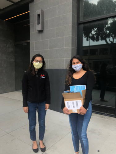 Our San Francisco volunteers Kaveri Bhargava and Lauren Cueto donated 12 devices to the UCSF Division of Geriatrics department this week! These devices will allow seniors not only connect with their physicians, but also combat social isolation during the pandemic by connecting them to family and friends.