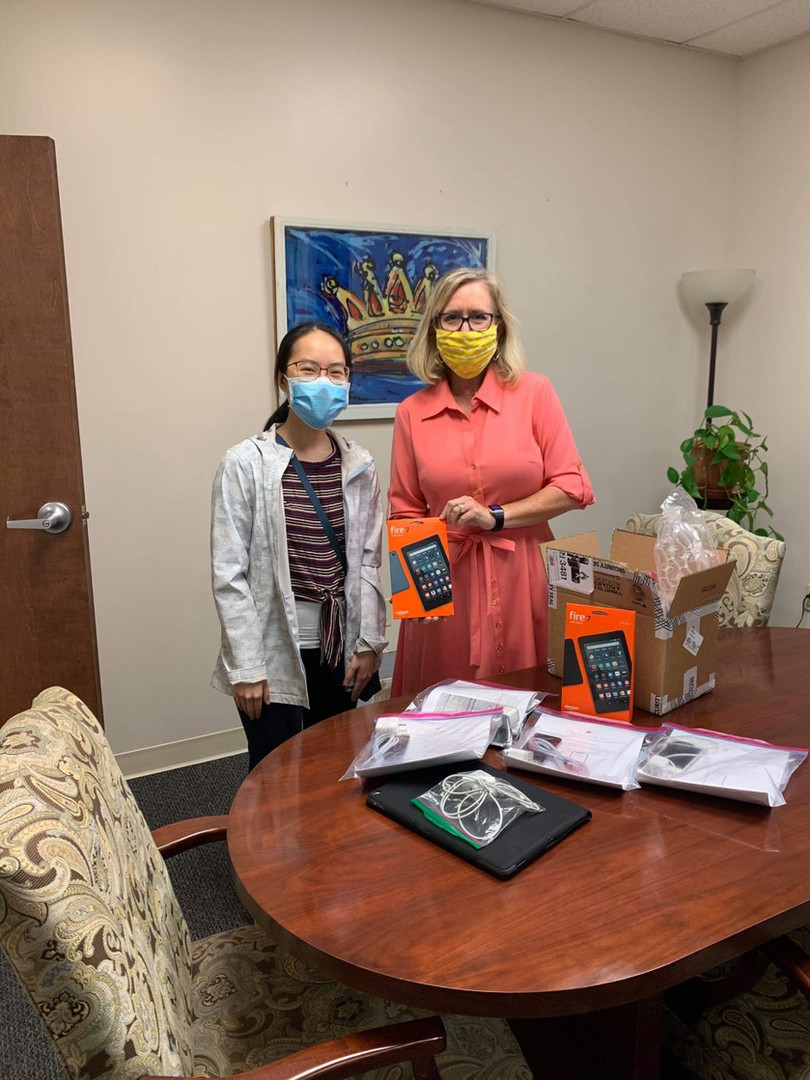 Our Arkansas lead Izzy Jones and Maggie Xu recently dropped off 12 devices to Mid-South Health Systems in Jonesboro, AR! They were able to fulfill the clinic's entire demand for patients in need of proper devices. Amazing work!