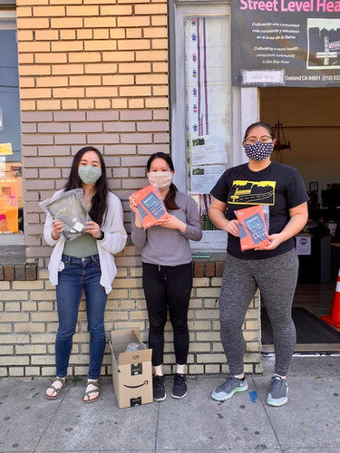 Lead, Tiffany Wong, dropped off 5 devices to the Street Level Health Project, fulfilling their entire demand! The organization focuses on improving the health wellbeing of minority and immigrant communities. These devices will go to helping marginalized minority communities in Oakland get equal access to healthcare during the pandemic.