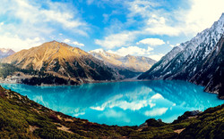 4146818-big-almaty-lake