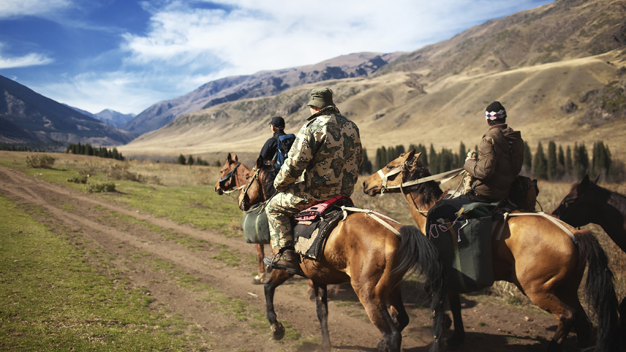 horseback-riding-in-kazakhstan