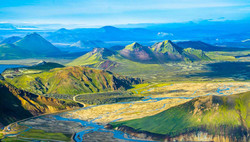 Think-Iceland-Country-471997384-SimonDannhauer-copy