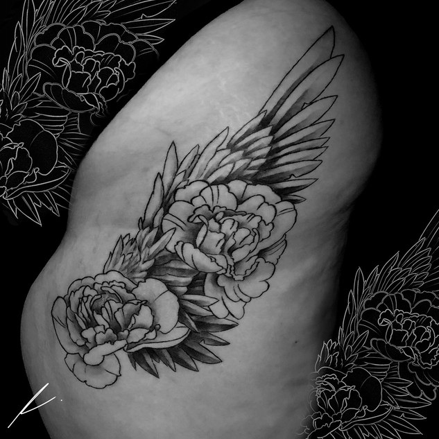 Neotraditional flowers with wing