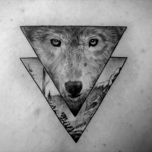 Black and grey geometric wolf