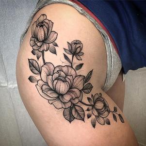 Peony action all day _#tattoos #peonytat