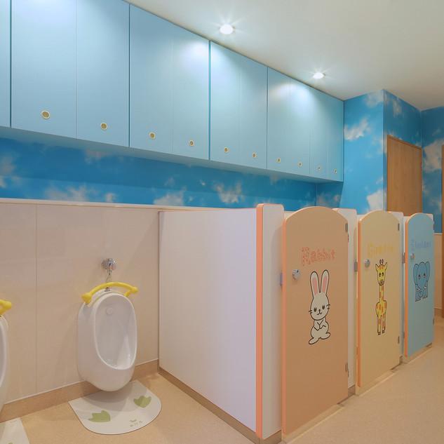 14 子供用トイレ.jpg
