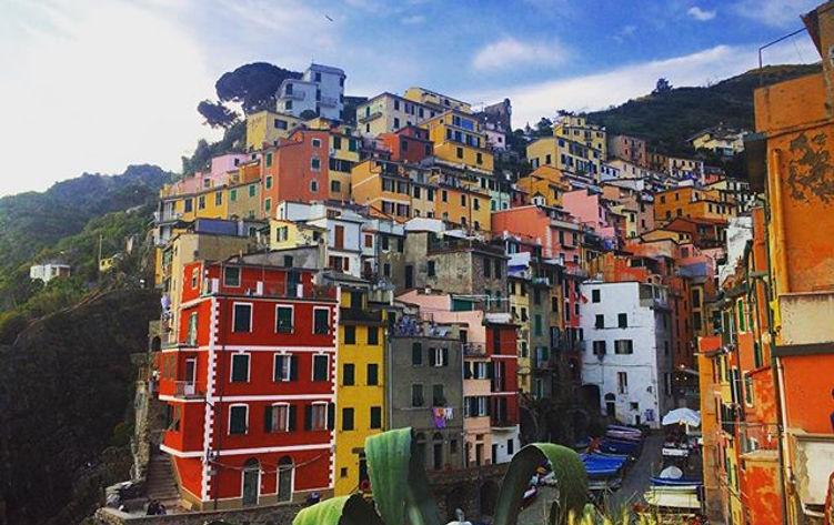Missing Italy ❤️❤️ #lppostcards #travel #cinqueterre #riomaggiore #italy