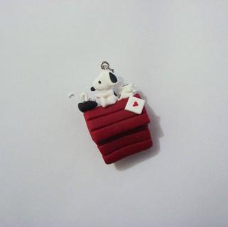 Pingente Snoopy Escritor
