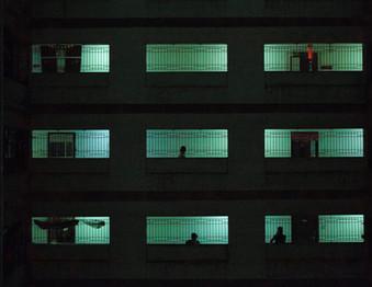 "In Mumbai, slum dwellers ""dumped""in skyscrapers are confronted"