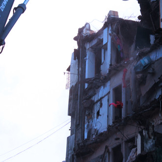 Lawyer Rizwan Merchant loses son, mother, wife in Mahim building collapse.