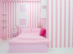 ピンクのベット ストライプの壁紙