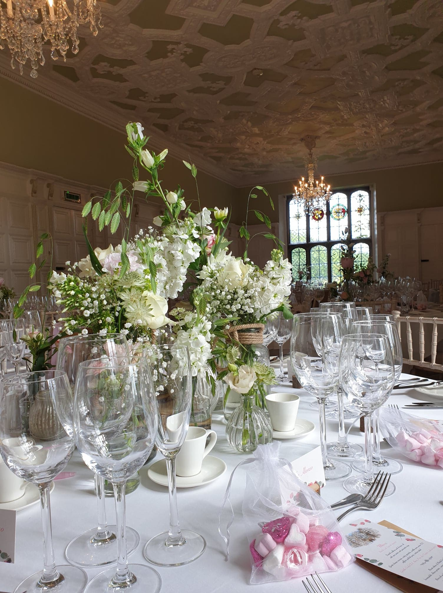 TABLE FLORALS BY THRIVE