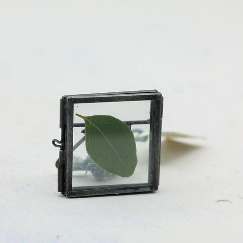 Tiny Danta Antique Zinc Frame