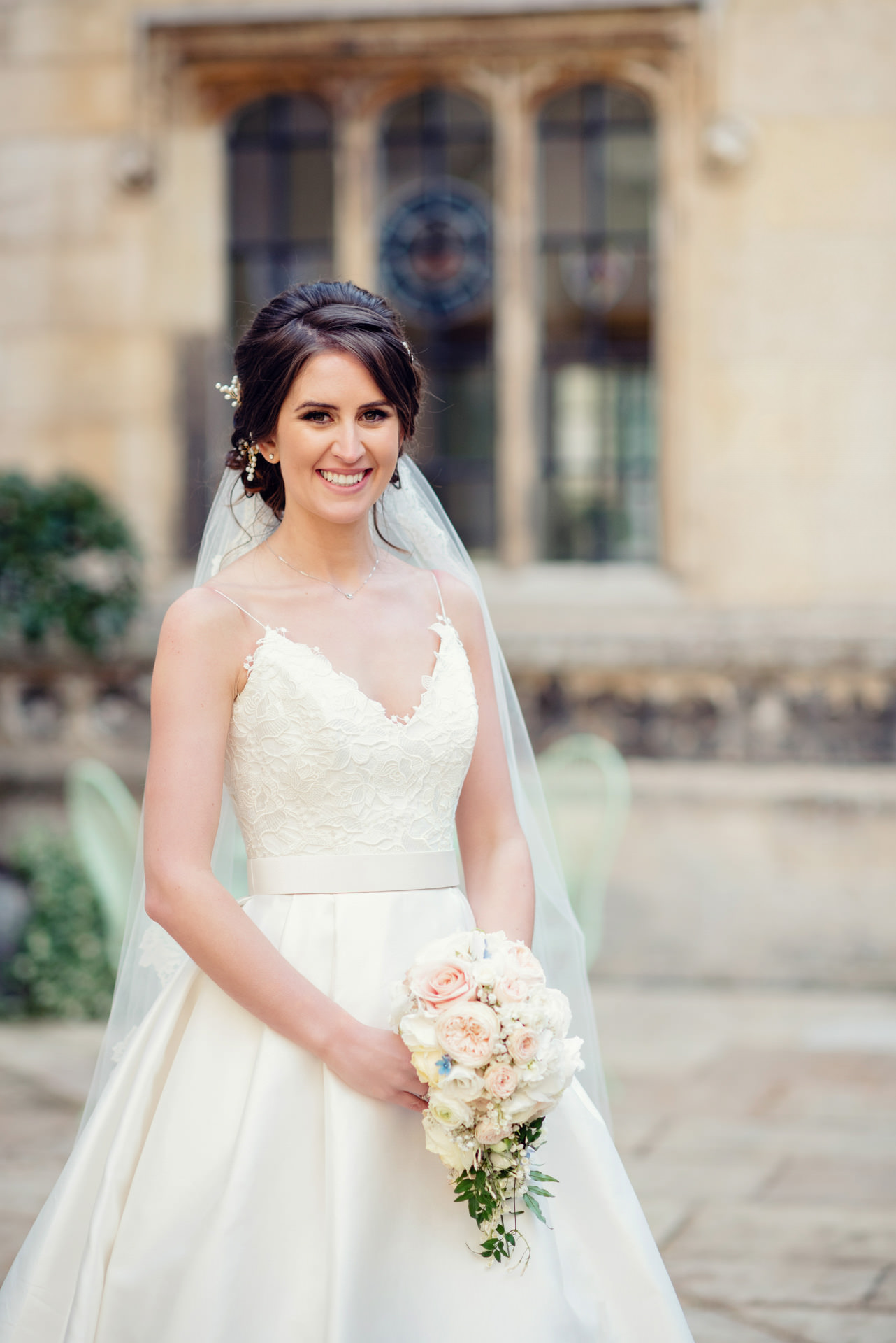 Our gorgeous Bride, complete with bouquet
