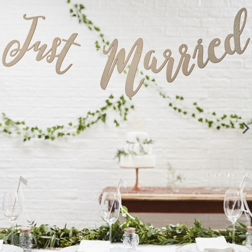 Wooden Just Married Bunting