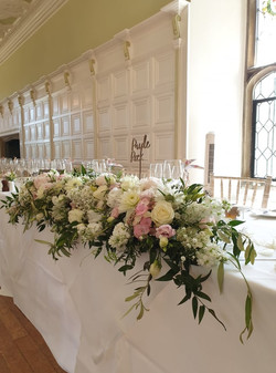 TOP TABLE FLORALS