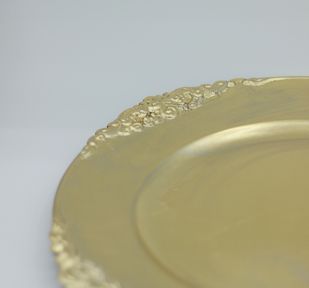 Gold Charger plates - side detail