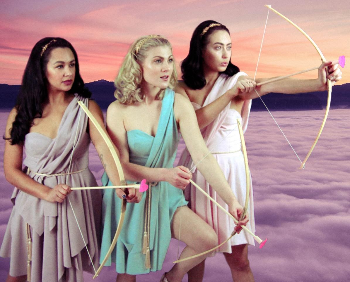 3 Arrows _ Triomphe de Femme-2_edited