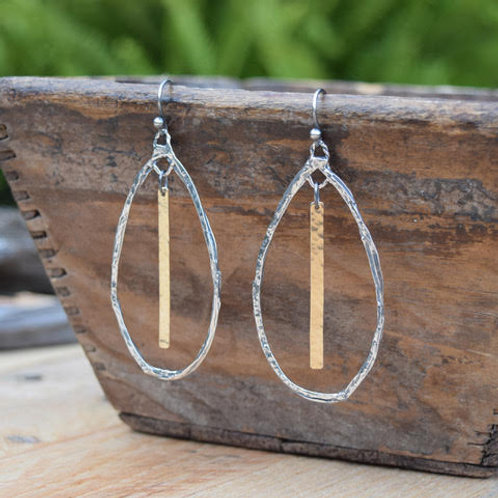 ARTISAN STERLING SILVER TEARDROP HOOP & HAMMERED GOLD BAR EARRINGS