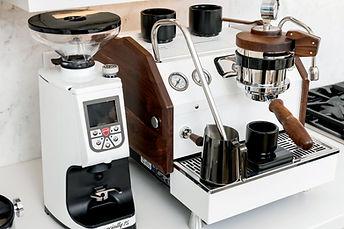 La-Marzocco-GS3-White-Walnut-Espresso-Ma