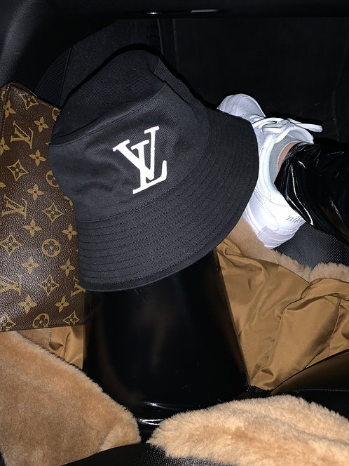 Black L V Bucket Hat