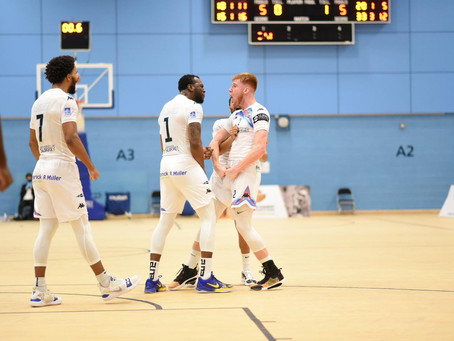 Killa' Cam Hildreth Shows Out In Surrey Debut!