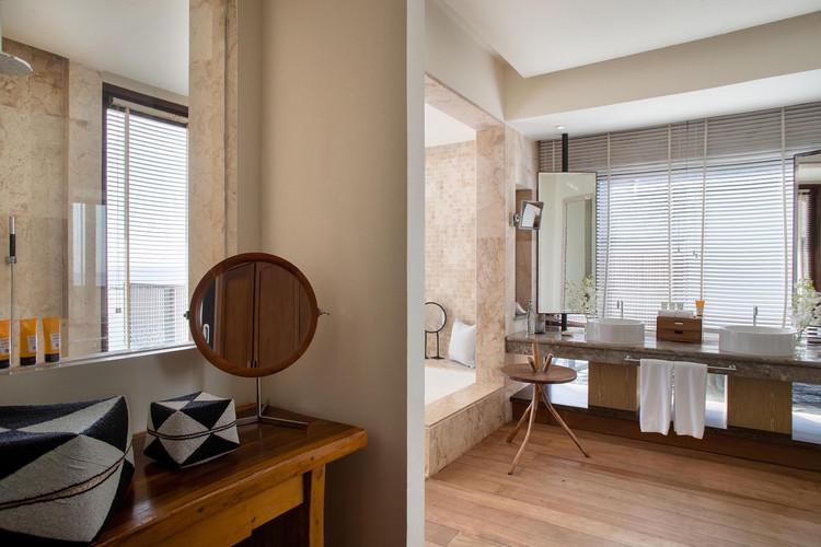 OZEN RESERVE BOLIFUSHI - Ocean Pool Suite with Slide - Bathroom