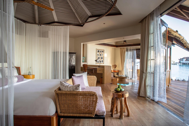 OZEN RESERVE BOLIFUSHI - Ocean Pool Suite with Slide - Bedroom