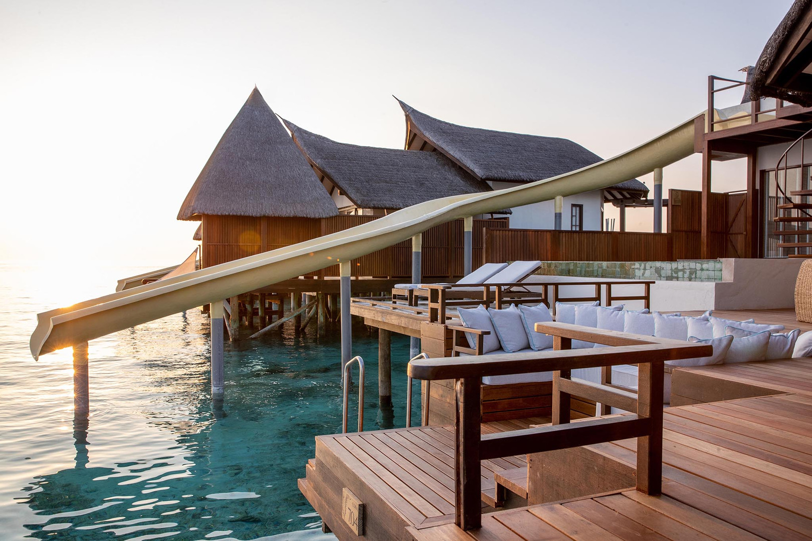 OZEN RESERVE BOLIFUSHI - Ocean Pool Suite with Slide
