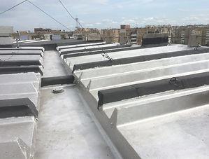 Ремонт железобетонной ребристой крыши панельного дома в Кемерово светоотражающей мастикой