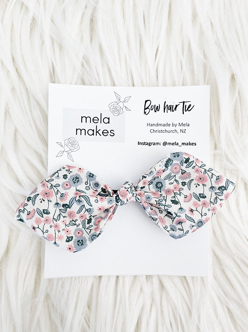 Grey+ Pink Bud Bow Hairtie