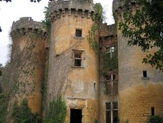 Voor 50 euro mede-eigenaar van een kasteel uit de film van Louis de Funès!