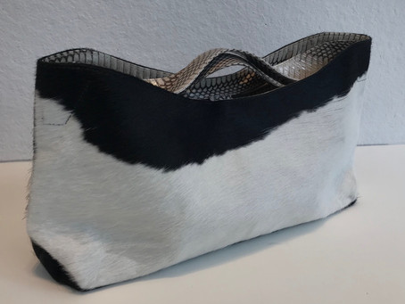 ハラコ革とヘビ革のバッグ