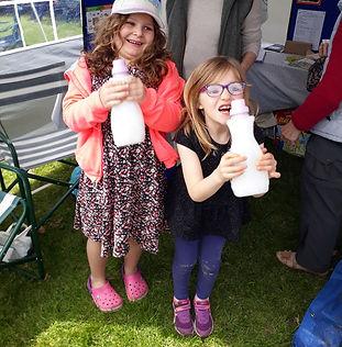 children playing shakey challenge