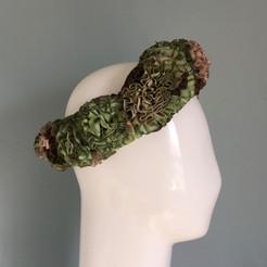Holly's headdress