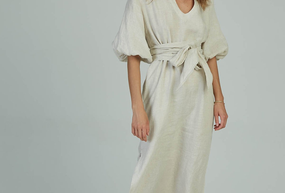 This kaftan style linen maxi dress is universally flattering and boasts a comfortable relaxed fit.