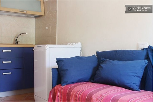 Studio Flat | Sofa Bed in shared area