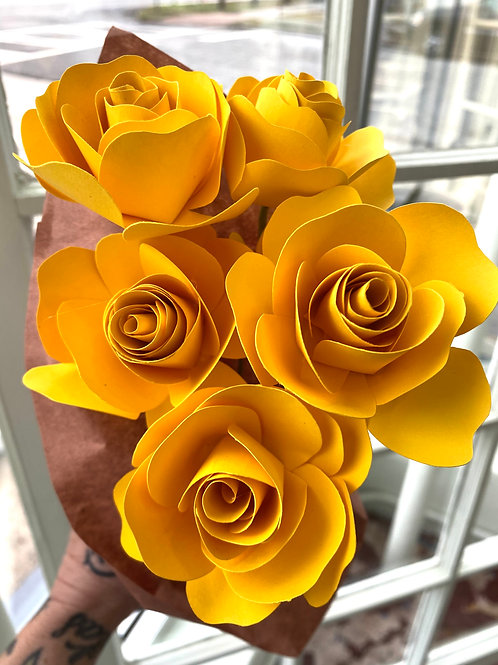 Yellow roses // paper flower bouquet