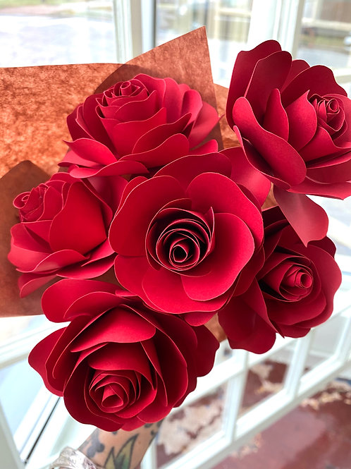 """True love"" red roses // paper flower bouquet"